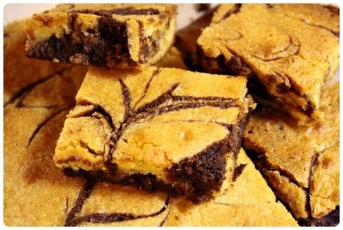 Brownies s bílou a hořkou čokoládou