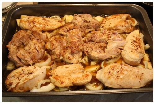 Kuřecí na jablkách s cibulí a medem - před pečením