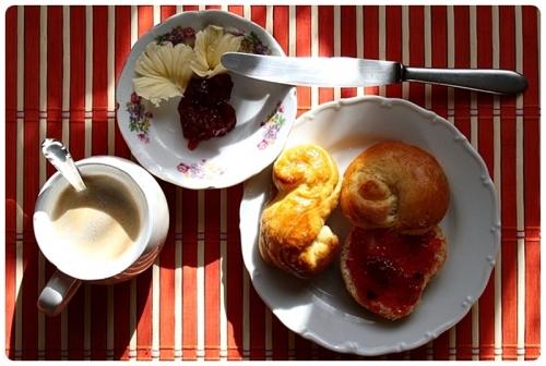 Jidášky u snídaně