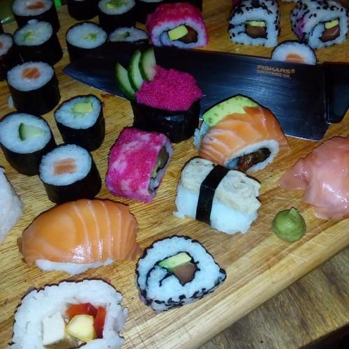Krájení sushi