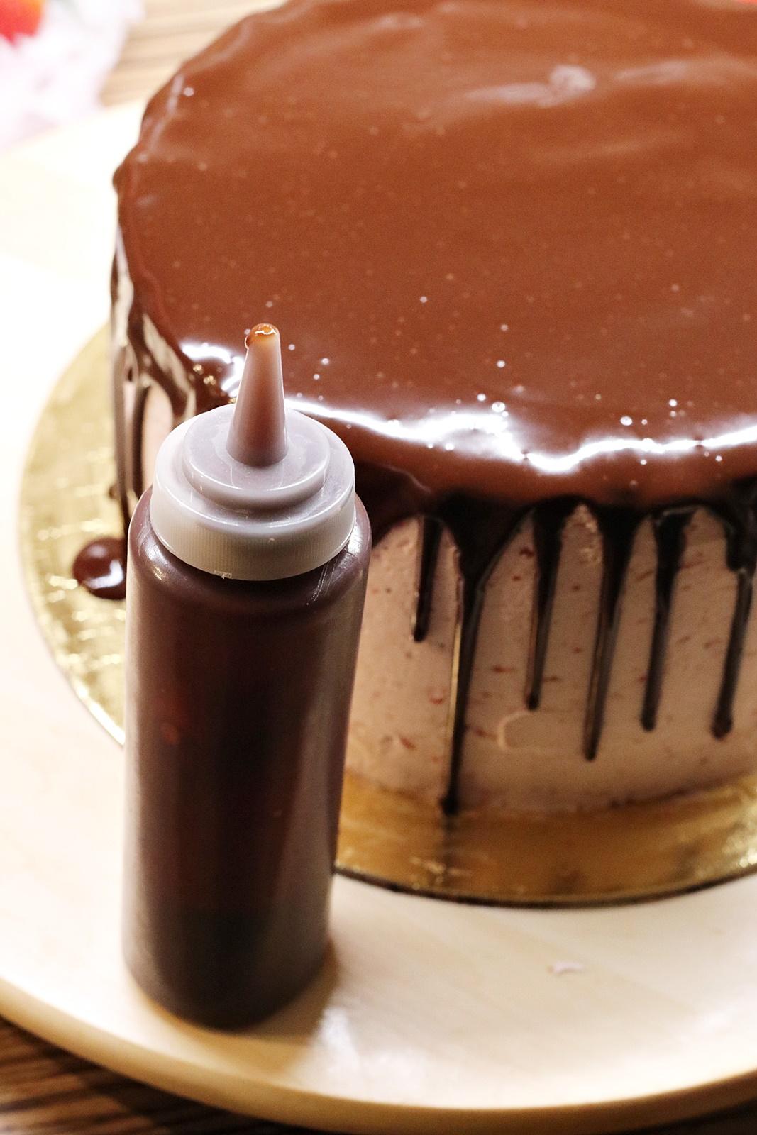 Polévání dortu