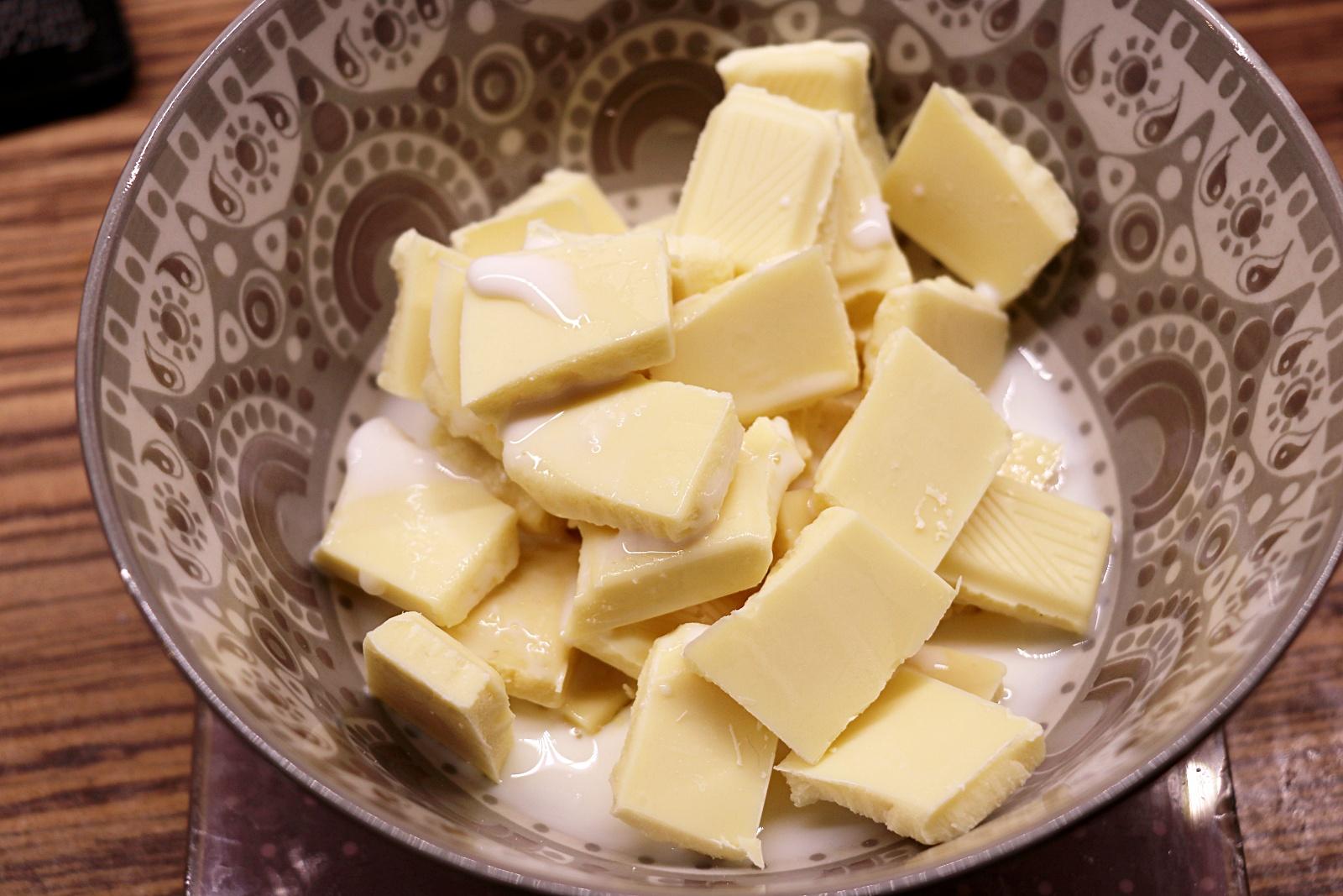 Bílá čokoláda