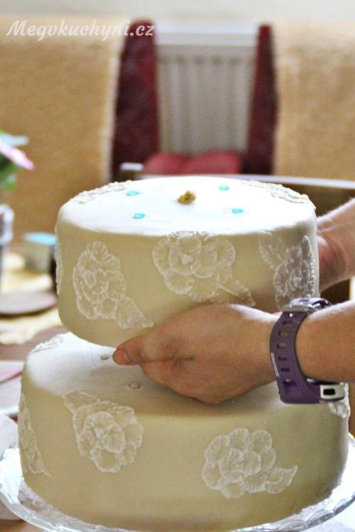 Sestavování dortu