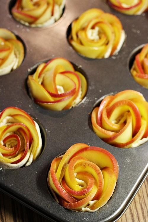 Růže z jablek před pečením