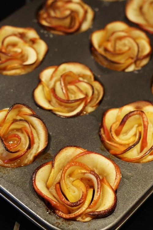 Růže z jablek upečené