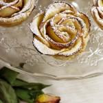 Růže z listového těsta a jablek