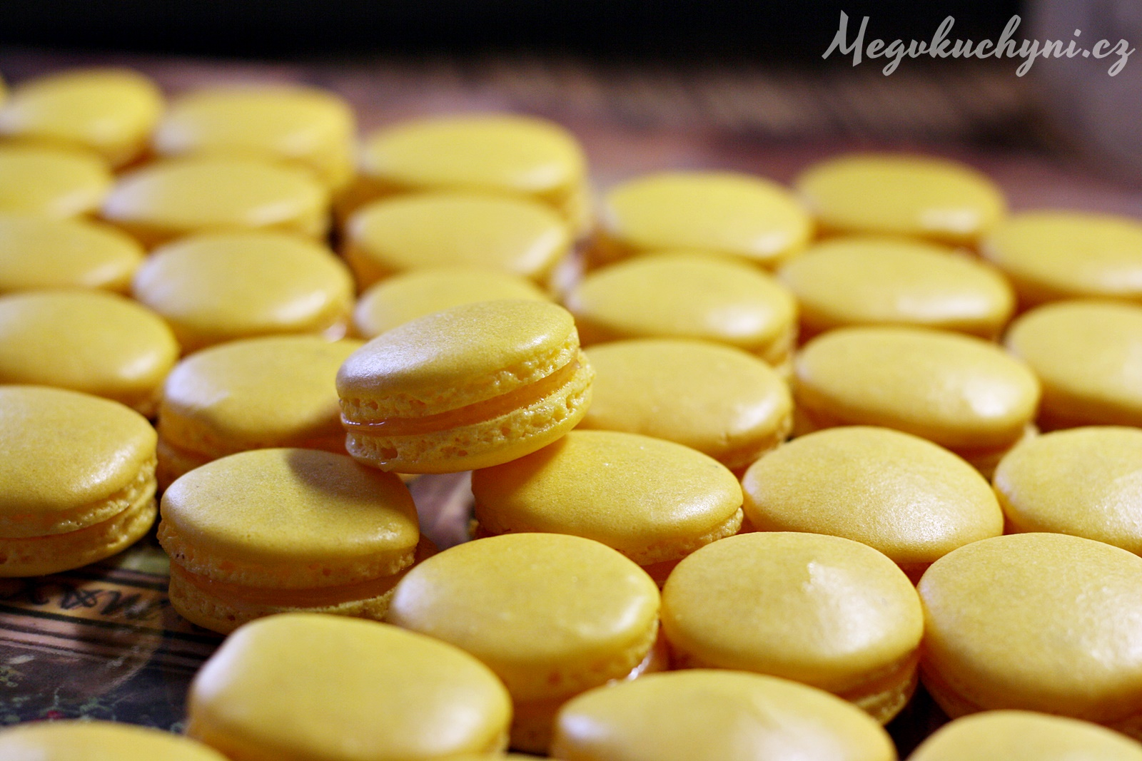 Citronové macarons – The Daring Baker's October 2015 Challenge