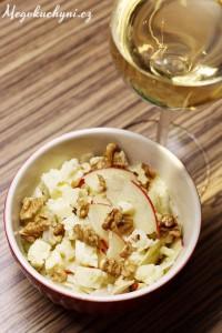 Rychlý fenyklový salát (sjablkem, sýrem aořechy)