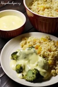 Brokolice vařená vpáře smaltézskou omáčkou a pomerančovým bulgurem