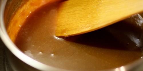 Hotový karamel