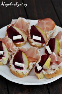 Domácí vekové chlebíčky svlašským salátem