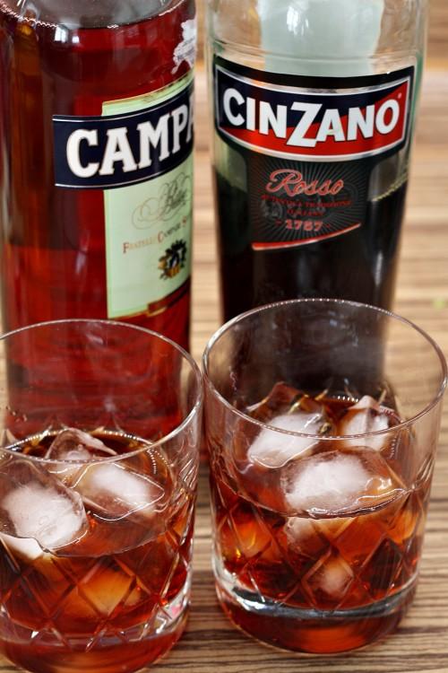 Campari a Cinzano ve sklenici