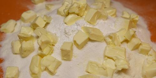Kostičky másla