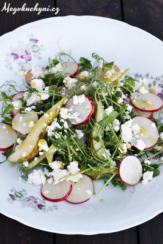 Jarní salát z hráškových výhonků