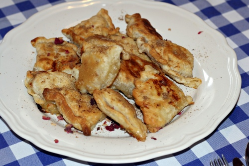 Samosy s jablky a sýrem Brie