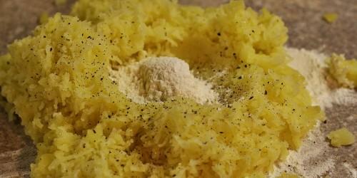 Příprava bramborového těsta