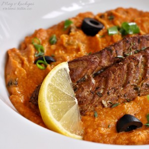Makrela uzená vhrnci srajčatovo-cizrnovým pyré & Aperol Spritz