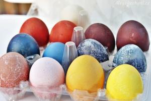 Test přírodních barviv na velikonoční vajíčka