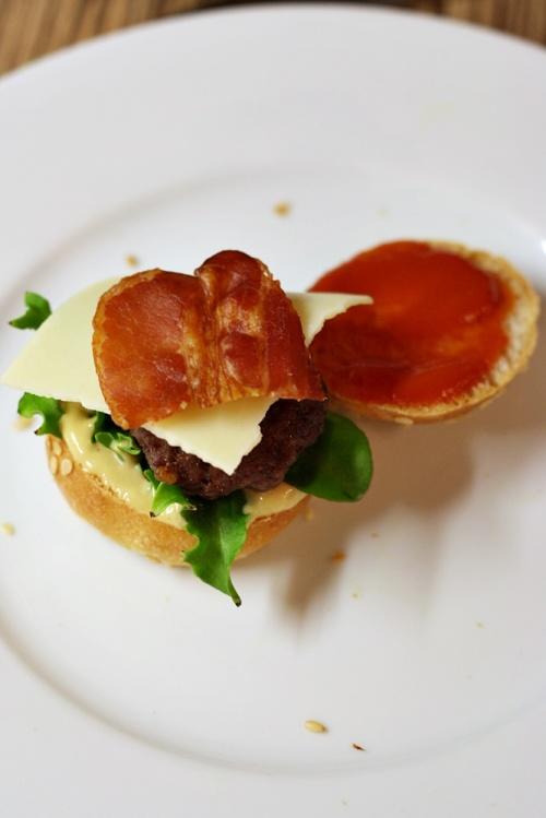 Classic mini cheeseburger se slaninou