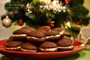 The Daring Bakers' December 2013 Challenge: Let's Make Whoopie!