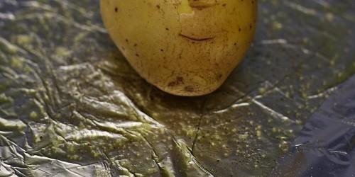 Příprava pečené brambory