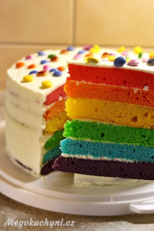 První ukrojený kus dortu