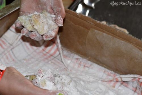 Obalování rohových koláčů