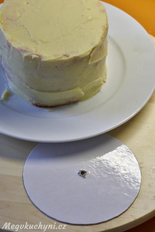 Kartonová podložka dortu