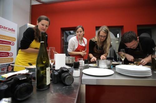 Příprava jídla (foto: Jakub Stadler, Instinkt)