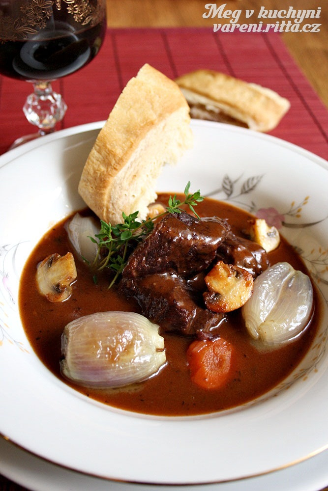 The Daring Cooks' May 2012 Challenge – Boeuf Bourguignon