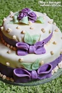 Skoro svatební dort…